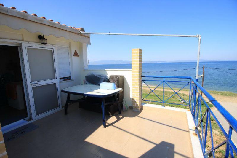 Коттедж в остров Кассандра с видом на море