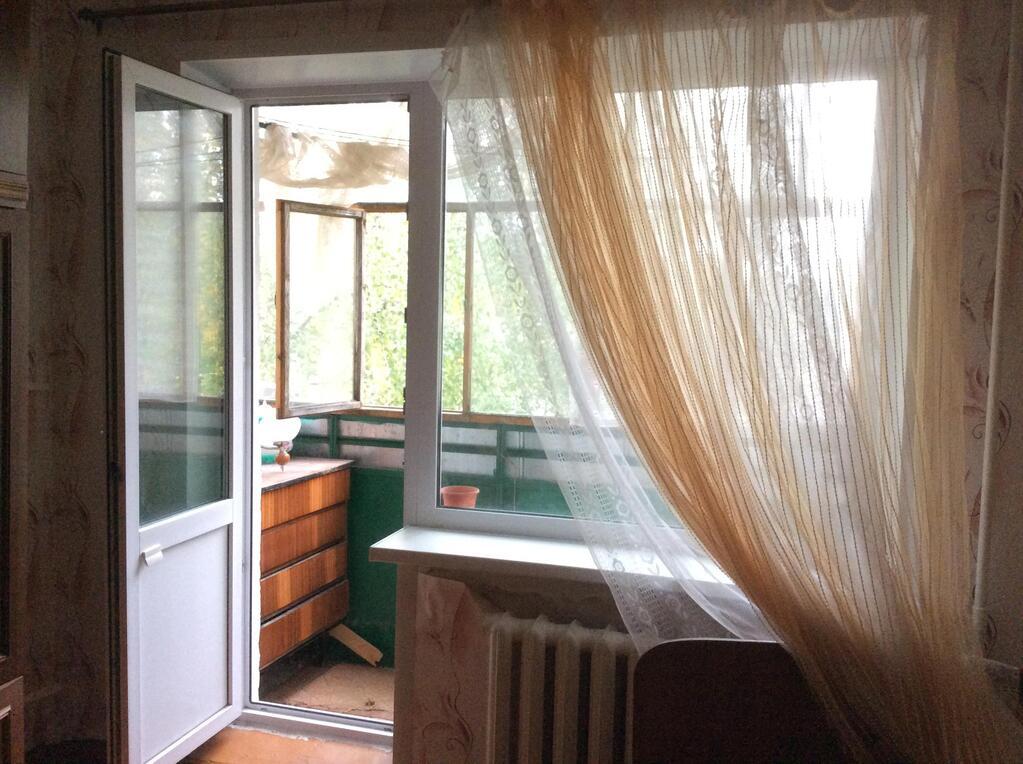 Продается двухкомнатная квартира новой планировки, балкон 3 метра, космет ремонт, трубы п/п