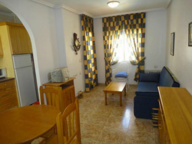 Снять однокомнатную квартиру в испании на берегу моря недорого
