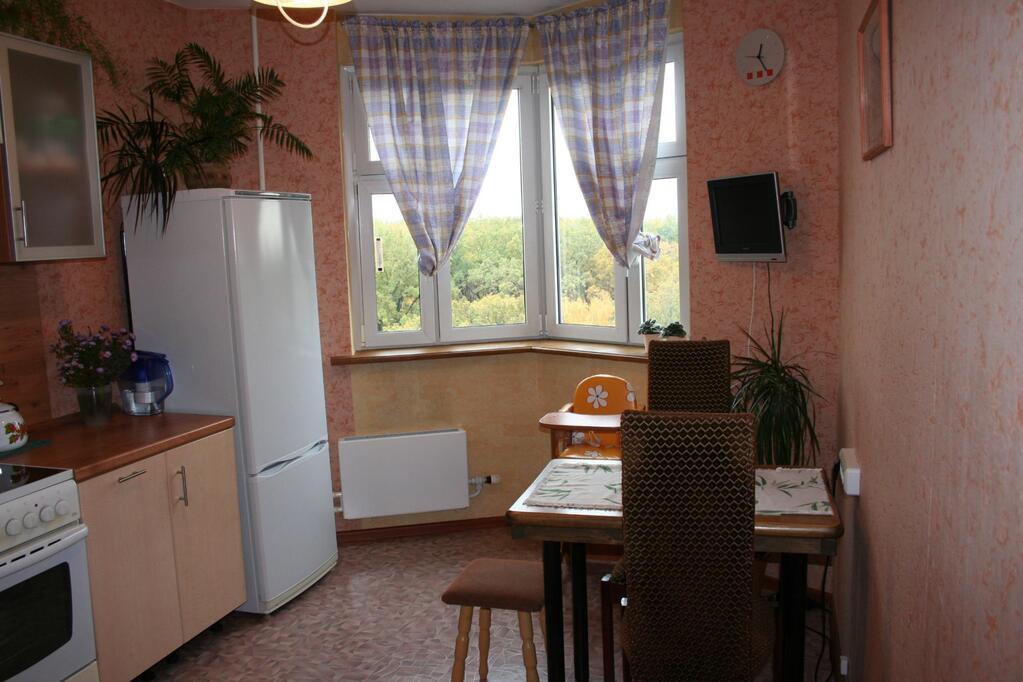 Продам 2-комнатную квартиру - сталинку на ул юности, 12 (район дк 1 мая)