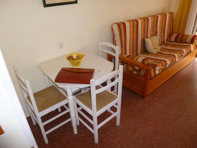 Где купить мебель бу в торревьехе испания