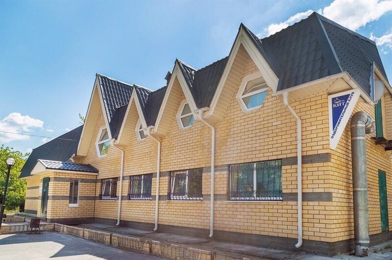 Продаю срочно недорого (или сдам в аренду) нежилое помещение 220 квм (можно по -100, м) в новом доме по ул чапаева
