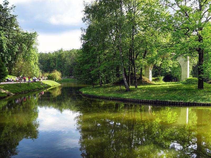 1 царицынский парк многие называют этот памятник садово-паркового искусства красивейшим парком москвы