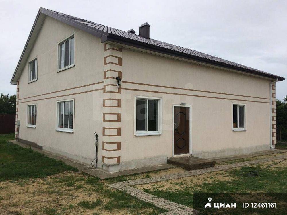 Свет 15 квт 3 фазы, вода- подключены но в дом не заводились, газ по меже, в кооперативе, дом на трассе новороссийск - керченский мост.
