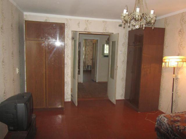 Продается 1-ая квартира р-он черемушки с общей площадью 30 квм на 2/5 этажного панельного дома , комната 17,4 квм