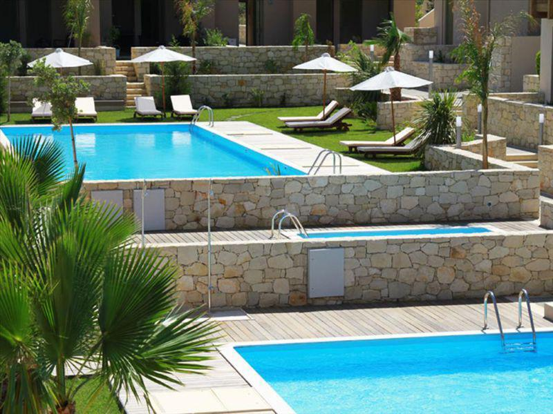 Отель в остров Ханья на берегу моря