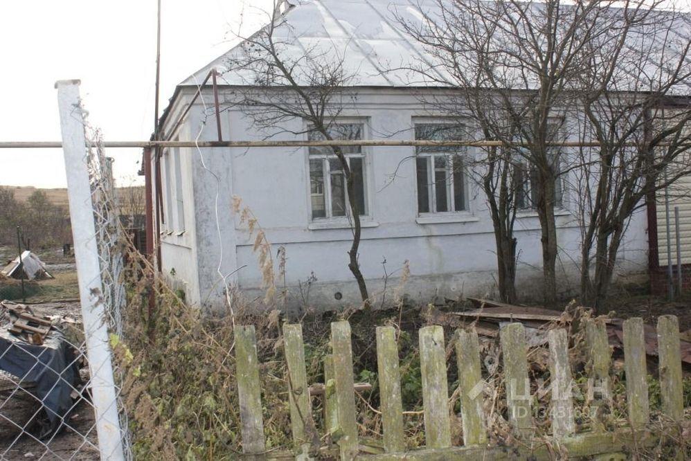 Частный дом в поселке совхоза комсомолец.