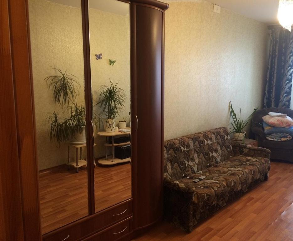 Продам, 3-комнатная квартира, готовые, ленинский район, 26 б комиссаров, сталинка