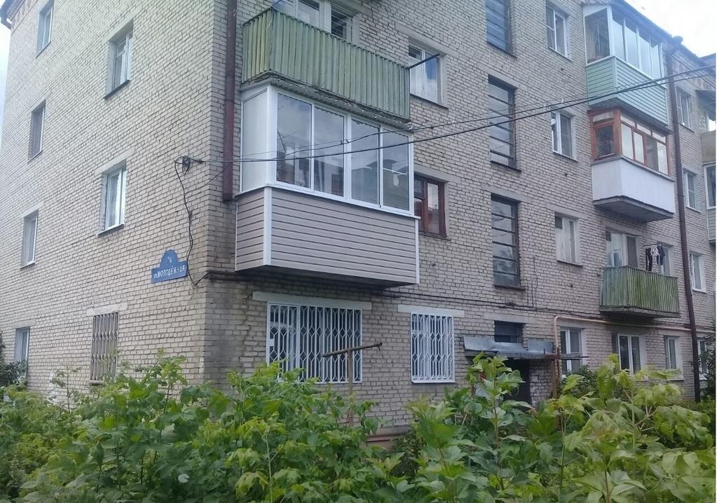 Продам квартиру без ремонта на первом