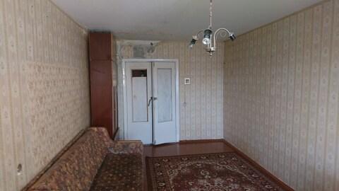 Большая комната в трехкомнатной квартире - Фото 2
