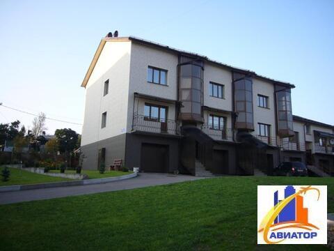 Продается 5 комнатная квартира в Выборге - Фото 1