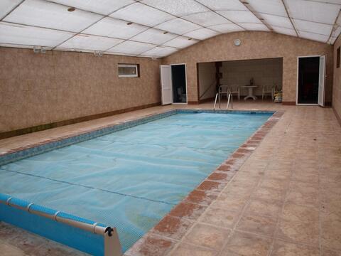 Коттедж с бассейном в охраняемом поселке бизнес класса - Фото 1