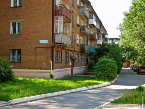 Продаем комнату 17.5 кв.м. с балконом ул.Мечникова 14 - Фото 1