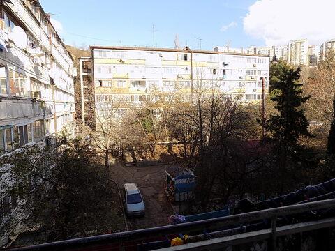 Однокомнатная квартира в Ялте ул. Кирова, д. 136. - Фото 2
