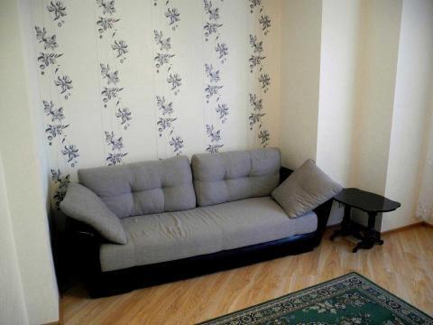 1-комнатная новая квартира в центре города в р-не Стройакадемии. - Фото 1