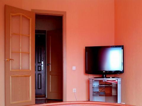 Квартира посуточно (кровать, интернет) рядом с эко центром - Фото 2