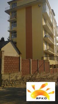 Студия с ремонтом,22м2, новый дом, Ялта,3эт, балкон, всё для отдыха, ж - Фото 3