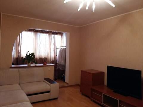 Отличная 2-х комнатная квартира рядом с метро - Фото 1
