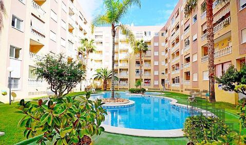 Квартира у парка Наций в курортном городе, бассейн, море 7 минут - Фото 1