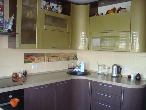 Большая двух комнатная квартира 64 кв. м. кухня 13 - эркер - Фото 3