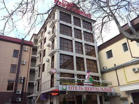 Отель в центре Геленджика, на первой береговой линии, 34 номера, кафе - Фото 1