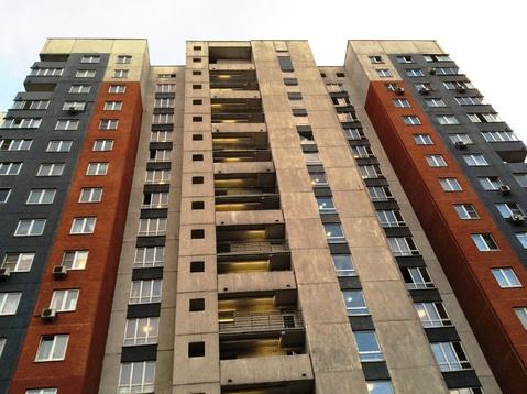 Комната в 3-х к. кв, м.Строгтно, ул. Твардовского, 4к2 - Фото 1