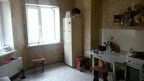 Продается отличная двухкомнатная квартира. Этаж третий. 64/35/12 - Фото 3