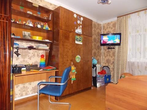 К продаже предлагается просторная 2-х комнатная квартира -сталинка в . - Фото 1