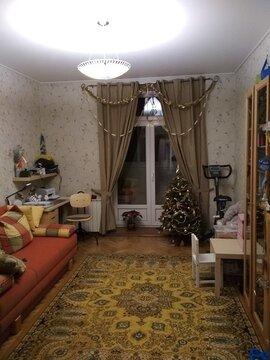Продается просторная 3-х комнатная квартира (сталинка) - Фото 1