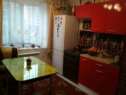 Сдам уютную 1 к. кв. в городе Серпухов, ул. Ворошилова, дом 143б к2, - Фото 2