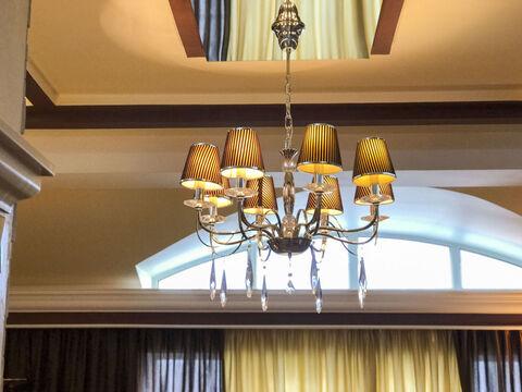 Продается 3 комн. квартира (95.5 м2) в г. Алушта - Фото 1