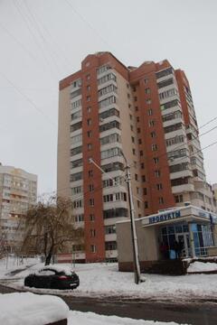 Трехкомнатная квартира в кирпичном доме. ул. Буденого 17