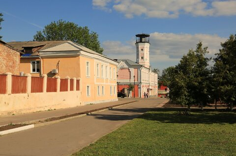 Часть жилого кирпичного дома и 4 сотки в центре г. Острогожска - Фото 1