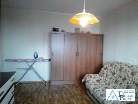 Сдается комната 3-комнатной квартире с хорошим косметическим ремонтом - Фото 1