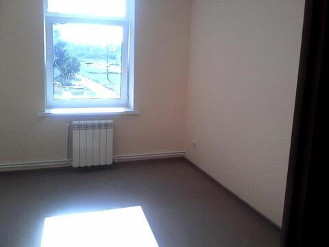 Офисное помещение 16 кв.м на первом этаже, Первая линия, парковка - Фото 2