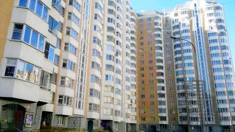 Трехкомнатная квартира в Москве, проспект Защитников Москвы - Фото 1