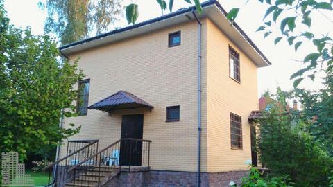 2-этажный кирпичный дом в охраняемом коттеджном поселке - Фото 2