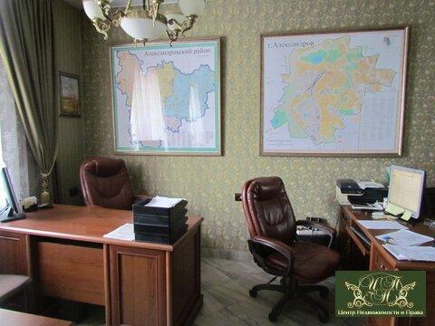 Оборудованное рабочее место в офисе в аренду - Фото 2