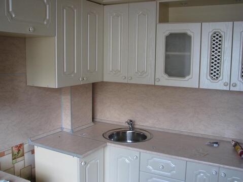 Продается 3-комнатная квартира на 1-м этаже в 3-этажном монолитно-кирп - Фото 1