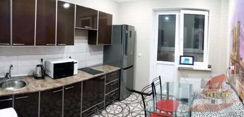 Однокомнатная квартира с ремонтом, в элитном комплексе ЖК Лазурный. - Фото 1