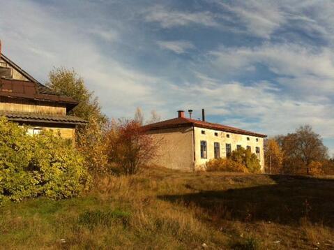 Выборг, Школьный проезд, 70 соток, здание бывшей школы. - Фото 1