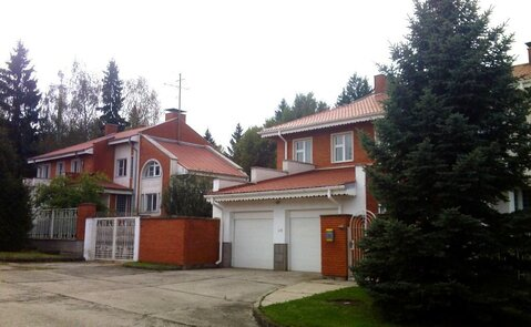Продам коттедж в д. Маклино в 100 км. от МКАД по киевке - Фото 1