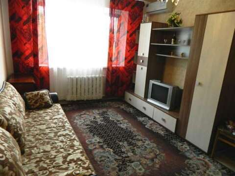 Комната ул. Большакова 75 - Фото 1