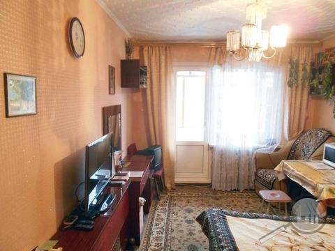Продается комната с ок в 3-комнатной квартире, пр. Строителей - Фото 3