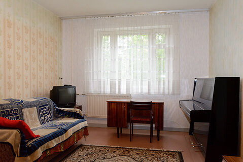 Продам 4-к. квартиру в хорошем доме недалеко от метро, Луначарского, 1 - Фото 1