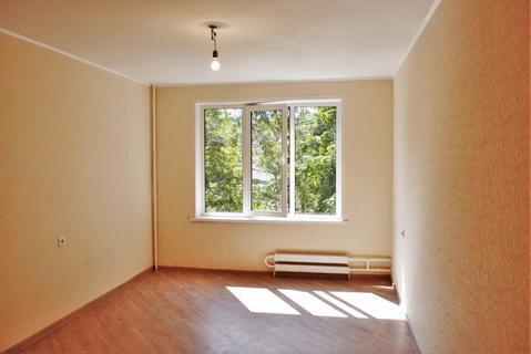 Свободная 1 комнатная квартира с евроремонтом - Фото 1
