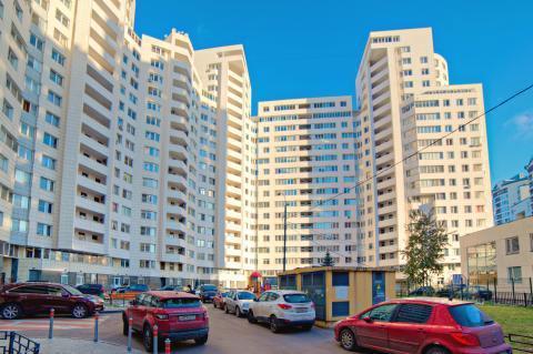 Четырехкомнатня квартира возле Серебрянного Бора - Фото 1