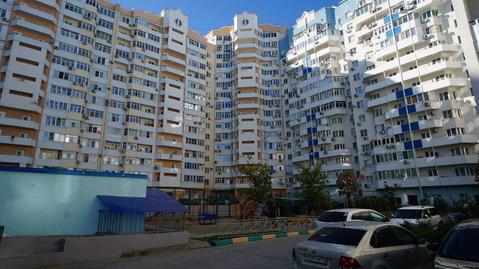 Двухкомнатная квартира с ремонтом, монолит, ЖК Черноморская ривьера - Фото 1