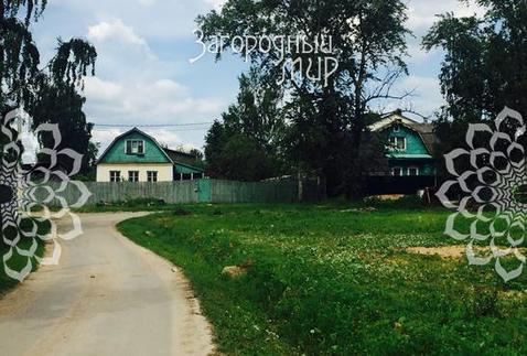ивановское. участок на окраине деревни, общей площадью 9 сот, огорожен с двух сторо...