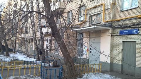 Квартира в кирпичном доме напротив метро. окна-двор - Фото 2